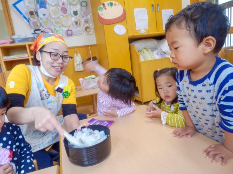 保育の一環としての給食室